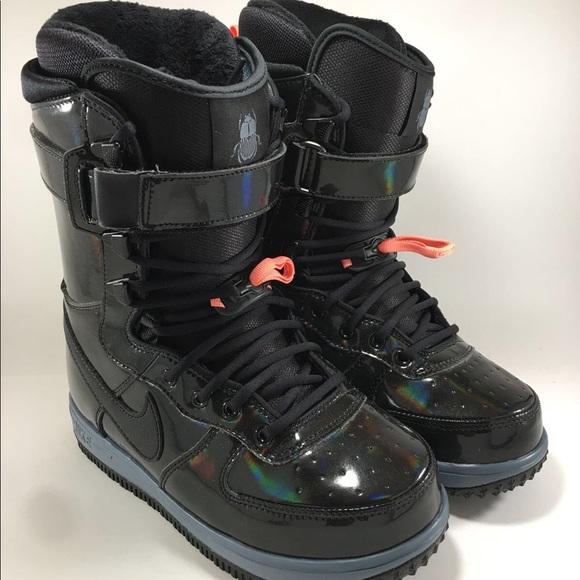 8093d4b38b1 Nike Boot Snowboard Black Iridescent Zoom Force 1